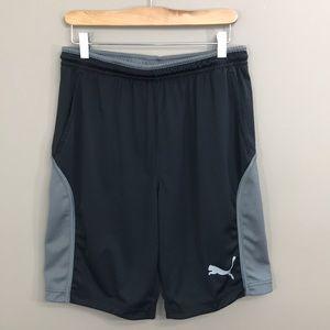 PUMA Athletic Shorts Size Small